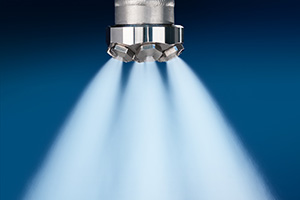 FloMax-S nozzle spraying water